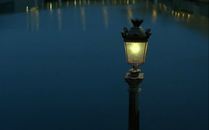 Любовники с Нового моста (Les Amants du Pont-Neuf).mkv_snapshot_00.16.07_[2012.12.05_23.55.21]